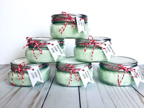 Easy simple ways to wrap gifts for the holidays. These simple coconut oil peppermint sugar scrubs from SARCraftGifts illustrate how easy it is to decorate your mason jar crafts for seasonal winter gifts.