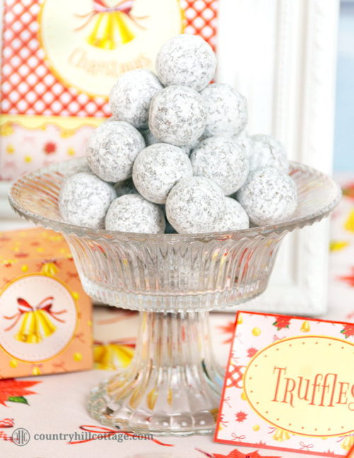 DIY Christmas gift ideas for friends and family. These easy holiday truffles from Country Hill Cottage make amazing DIY Christmas gifts. If your family is a fan of bourbon balls, then you'll love their cinnamon rum truffles recipe! Made with chocolate, cream, cocoa butter, cinnamon and rum, these truffles are a true holiday indulgence.