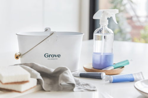 Eco-friendly cleaning solutions for your home. Reduce your carbon footprint as one of your goals for the New Year by switching to Grove's eco friendly, non toxic cleaning concentrates. Their plant based cleaning products are made with essential oils and help you reduce waste by using less plastic. Plus they take up less storage space in your kitchen or bathroom cabinets! #cleaning #ecofriendly #zerowaste #essentialoils #cleaners
