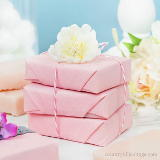 Still looking for a cute gift for Galentine's? These DIY sugar soap scrub bars from Country Hill Cottage make a great present for you friends and are made with ingredients that already have at home. Just wrap them in tissue paper and twine and your good to gift!