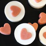 You're going to LOVE my latest tutorial for making easy melt and pour soaps with solid sugar scrub hearts. Save time in the shower and gently cleanse and exfoliate skin in one simple step with this easy melt and pour soap recipe for beginners. A lovely handmade gift idea for birthdays, anniversaries or holidays, this homemade soap recipe provides all the benefits of a traditional sugar scrub but without the oily residue. Learn how to make these #handmade soaps now at Soap Deli News!