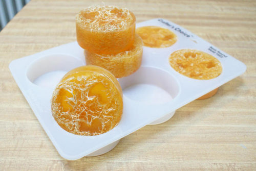 DIY Loofah Soaps. How to make easy melt and pour loofah soap for natural skin care and handmade gifts. An easy handmade artisan soap recipe for beginners. Plus 130 more homemade soap recipes you can craft at home.