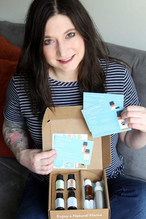 The new essential oil recipe box from Simply Earth is an affordable to learn about essential oils for pets. It also makes it easy to create simple recipes to address your pets' health concerns. The May Simple Earth recipe box for pets contains four essential oils that you can incorporate into your dog's daily routine. These essential oils for pets are ginger, juniper berry and citronella. It also includes a peace & quiet essential oil blend that's great for tackling your dog's anxiety. Made from a combination of sweet orange, frankincense, cedarwood & lime essential oils, this unique synergy aromatherapy blend promotes calm and relaxation.