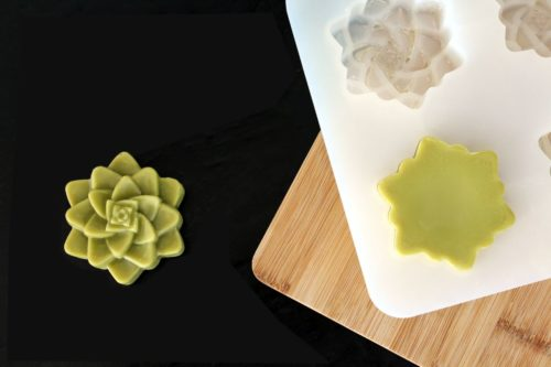 How to make aloe vera after sun lotion bars for natural relief of sunburns. Plus explore more easy sunburn relief home remedies using products you already have in your home.