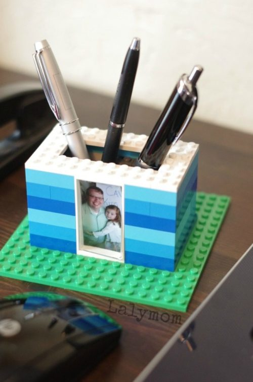 Father's Day gifts from kids. If your kids love Legos, have them put their block building skills to good use with this DIY Father's Day gift from Laly Mom. Kids will love making this rad DIY pen holder for Dad's desk. Not only is it the perfect place for him to stash his pens, they can also add their favorite photo of a special memory together.