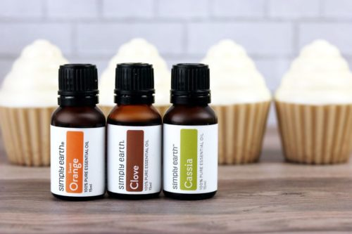 Learn how to make DIY soap cupcakes with a snickerdoodle essential oil blend recipe. With just 3 essential oils, you can craft an easy snickerdoodle cupcake soap recipe to give as homemade holiday gifts for naturally scented winter skin care. Try this simple beginning melt and pour soap recipe today!