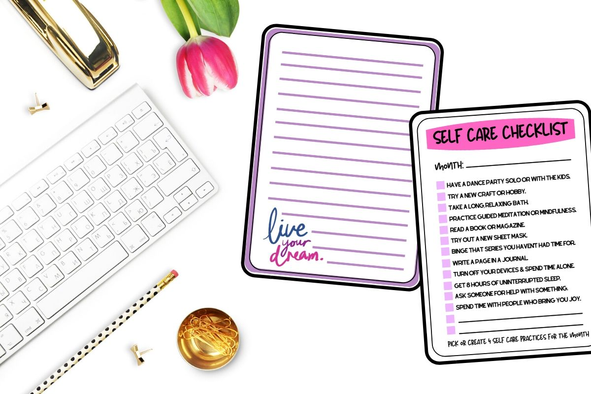 How to make a self care journal. Learn how to make a self care journal for inner reflection and emotional health with these free printable self care journal pages that are all about self care! This printable self care journal contains inspirational blank journal pages for writing down your thoughts and dreams, as well as pages for setting goals, healthy food recipes, skin care recipes and face mask recipes. Plus 60 self care journal prompts and easy self care ideas and projects. #selfcarejournal