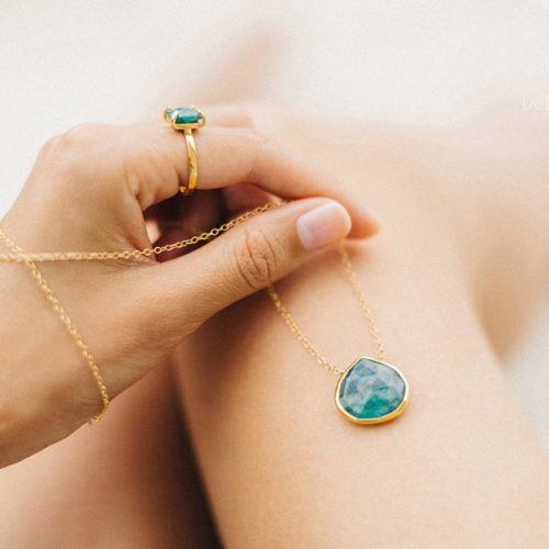 Gift Guides for Her: Artisan Jewelry Gift Ideas like this stunning raw emerald necklace from Etsy.