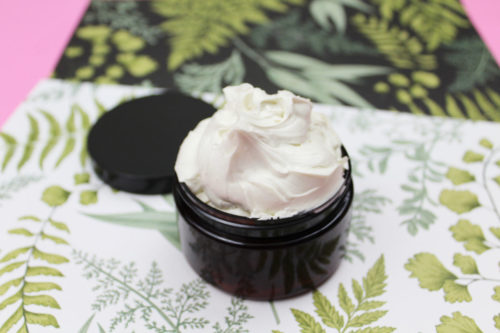 Whipped Body Butter Recipe with essential oils for your natural skin care routine. Plus beauty tips for hydrating dry skin this winter! Moisturize your dry skin with this moisturizing DIY whipped body butter recipe. A must for your winter skin care routine for dry skin relief, this DIY emulsified whipped body butter recipe is naturally scented with your favorite essential oil blend. It's perfect for your natural winter beauty regimen for self care or to give as homemade gifts.