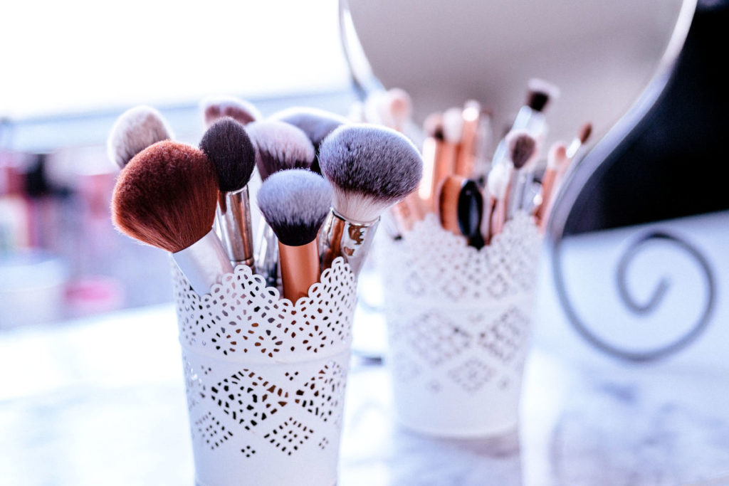 Diy Makeup Vanity Ideas For Small