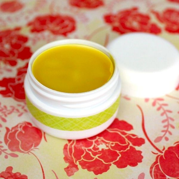 DIY Egyptian Magic Cream Recipe. Reap the benefits of Egyptian Magic Cream and save money by making your own and enjoy the many uses of Egyptian Magic Cream! This holistic, multipurpose beauty balm has a number of natural skin care benefits, and it can be used to tame frizzy hair. You can make your own DIY Egyptian Magic cream to moisturize & hydrate skin, soothe sunburns and promote healing, remove makeup naturally, tackle your chapped lips, seal split ends and moisturize dry hair and more!