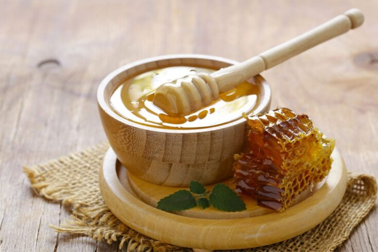 Natural Beauty Tips: Use Raw Honey as an ingredient in your natural skin care products to hydrate and moisturize skin for dry skin relief. Raw honey is full of enzymes, nutrients and antioxidants to nourish your skin. It helps hydrate and plump the skin. It also acts like a natural emollient to grab moisture from the air and pull it to your skin.